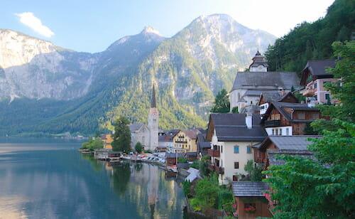 ハルシュタットの町並み / Wikipedia