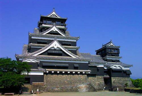 熊本城(大天守・小天守)/ Wikipedia