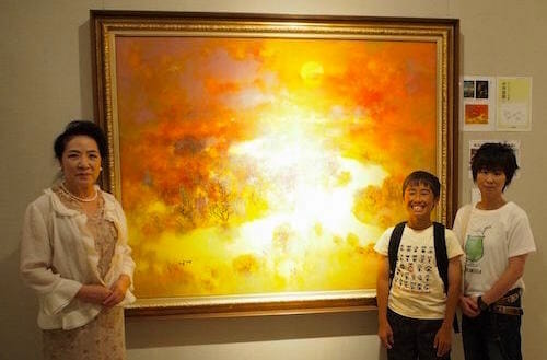 4月から中学一年生国語の教科書に載った「湿原の秋」原画の勉強にやってきた海斗君とお母さん / Facebook