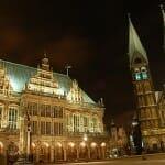 ブレーメンの市庁舎とローラント像