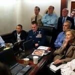 危機管理室でビンラディン襲撃リアルタイム視聴