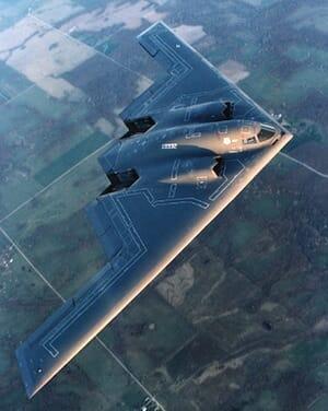 飛行中のB-2爆撃機 / Wikipedia