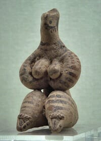 Female figurine, Syria, 5000 BC / Ancient Orient Museum