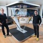 面白い3D画像を投影するホログラム装置「Holo」