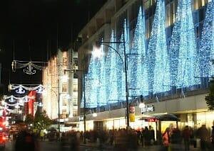 Oxford Street - John Lewis(12/2005)/ Wikipedia
