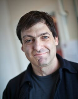 Dan Ariely - PopTech 2010 - Camden, Maine / Photo: Thatcher Hullerman Cook