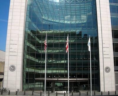 証券取引委員会本部(ワシントンD.C.)/ Wikipedia