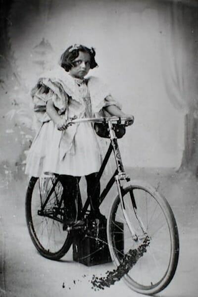 Virginia O'Hanlon (circa 1895) / Wikipedia
