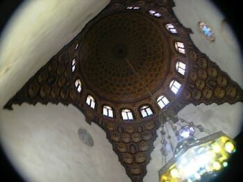 Interior of a dome in Al-Azhar mosque / Wikipedia