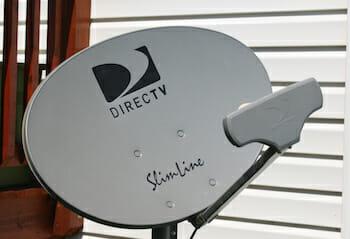 """DirecTV AU9-S 3-LNB """"Slimline"""" / Wikipedia"""