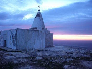 Yezidi Temple on Mount Sinjar, 2004 / Wikipedia