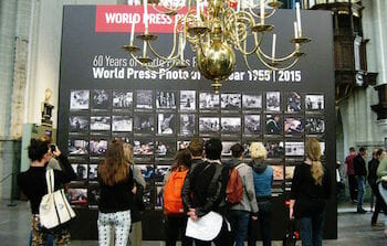 World Press Photo 2015 in de Nieuwe Kerk te Amsterdam / Wikipedia