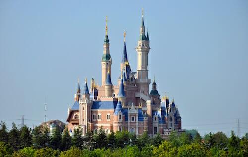 Shanghai Disneyland Park / Wikipedia