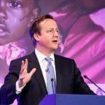 英国キャメロン前首相「政権の邪魔になってはいけない」