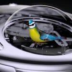 驚くような動きとデザインの機械式腕時計