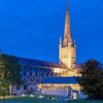 斬新なノーリッジ大聖堂ムービー「Norwich Cathedral Flow Motion」