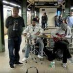 ニューヨーク地下鉄シンガー(Mike Yung)の素晴らしい歌声